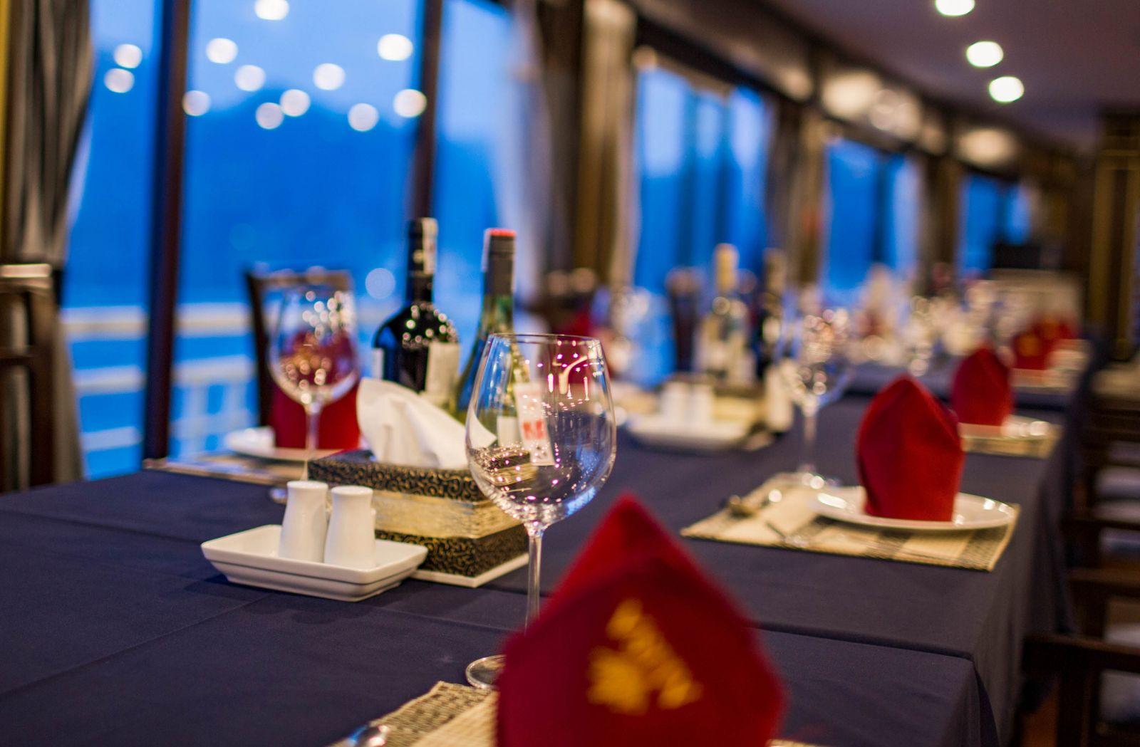 Alisa Cruise Restaurant