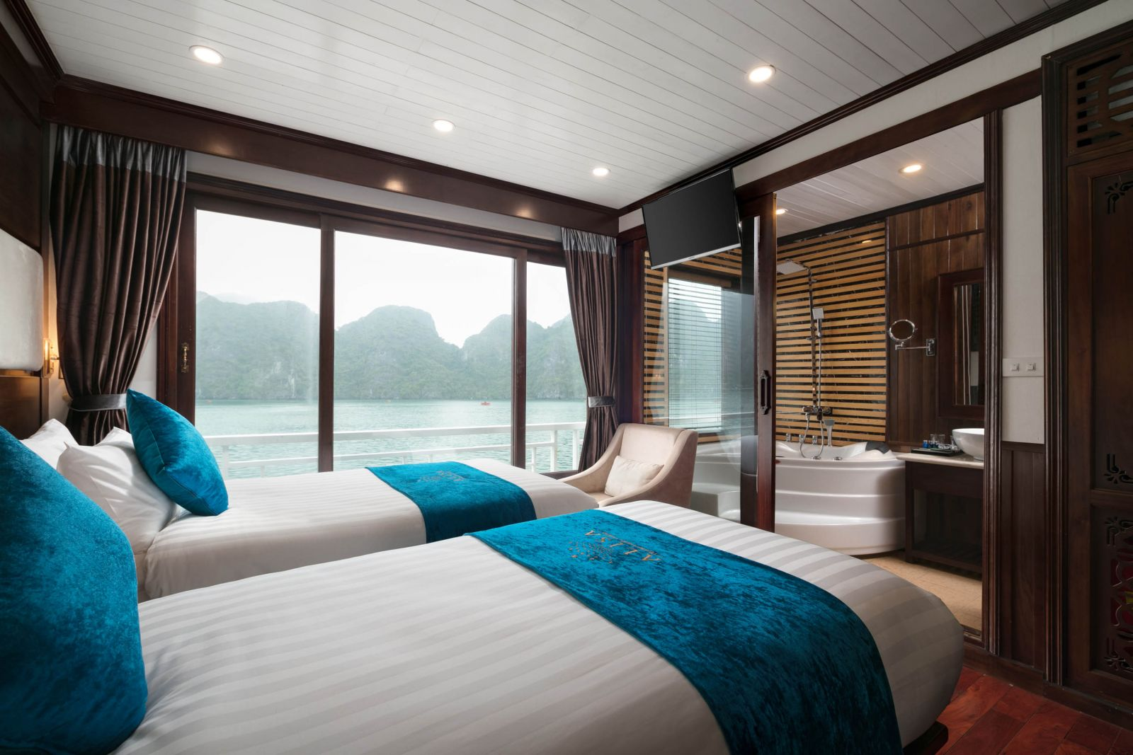 Senior Suite Ocean Views