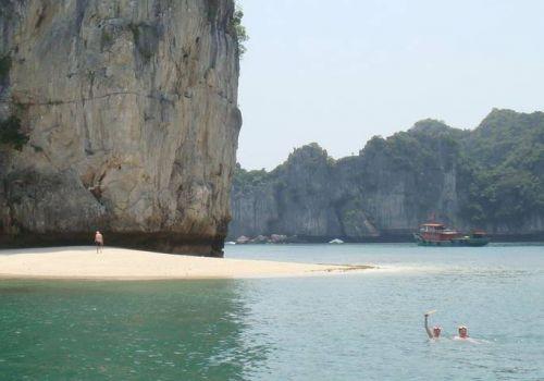 Bơi - vịnh Hạ Long