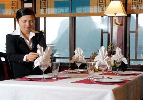 Nhà hàng trên tàu