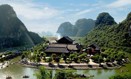 Trang An ecotourism - Bai Dinh Pagoda 1 day tour