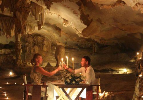 Bhaya Cruise - Dinner in Caves