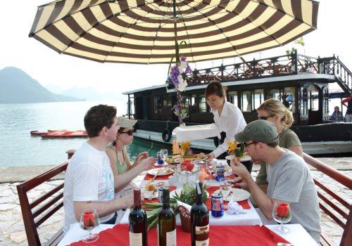 Bhaya Cruise - Enjoy Meals Open Air
