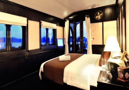 Bhaya Cruise - Suite Cabin