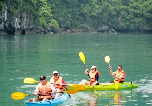 Glory Premium Cruise - Kayking on Halong