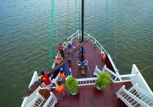 Glory Premium Cruise - Sundeck