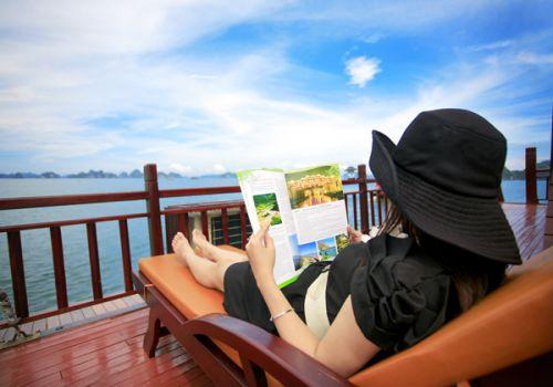 Golden Lotus Junk - Relax on Sundeck