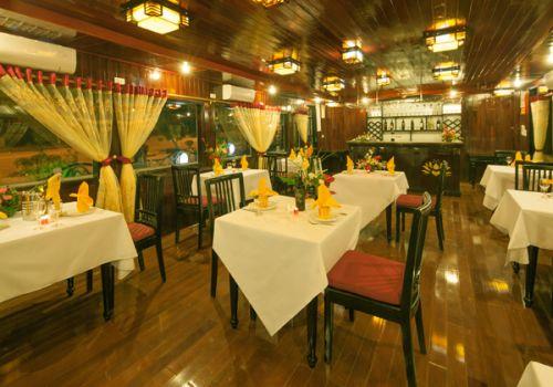 Golden Lotus Junk - Restaurant
