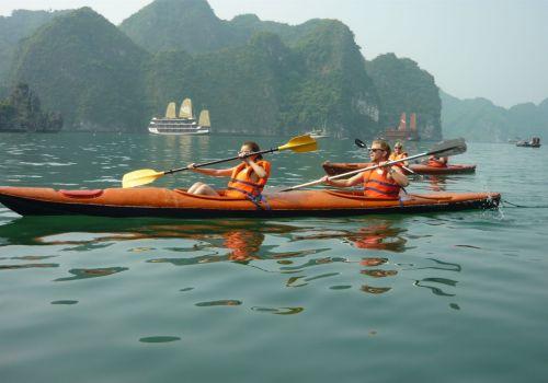 Golden Lotus Junk - Kayaking