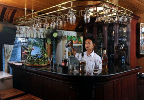 Imperial Junk Boat - Bar