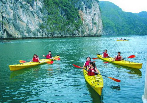 Imperial Junk Boat - Kayaking