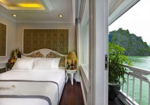 Signature Halong Cruise - Senior Suite Room