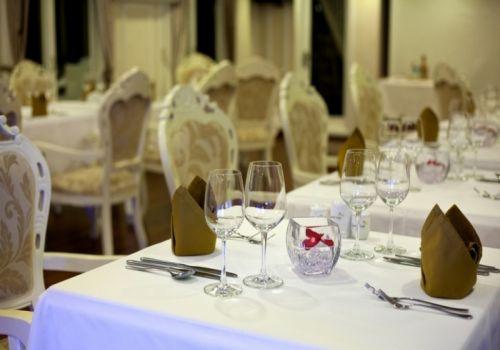 Signature Halong Cruise - Luxury Restaurant